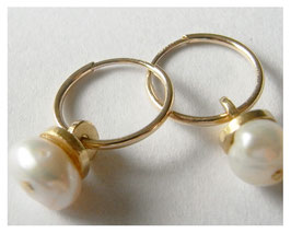 Ohrhänger, Kreolen, 585er Gold, Süßwasser Perlen.