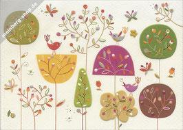 Herbstbäume mit Vögel