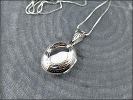 Venezia - Schönes kleines, leicht bauchiges, verziertes und ovales Medaillon aus echt 925er Sterling Silber mit 925er Silberkette