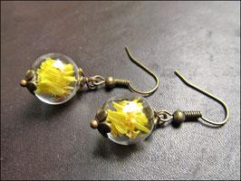 Gelbe Blütenblätter Ohrringe