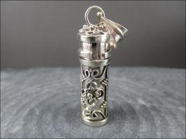 Wunderschöne Silberarbeit 925 er Silber Kettenanhänger Gefäß zum Öffnen auf Wunsch mit Lederband