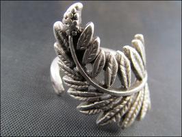 Das Lange Blatt gedreht, Ring, silber- oder bronzefarben