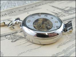 Fin de Siècle - silber-farbene mechanische Taschenuhr mit Lupe