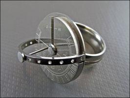 Sonnenuhr Ring aus Edelstahl