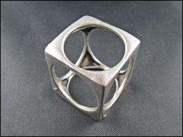 Der Würfel Ring