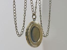 Kleines ovales Bronze Medaillon