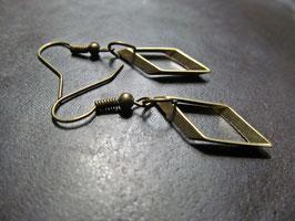 Kleine Rauten, bronzene Ohrringe