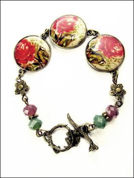 Hübsches Rosenarmband mit Kettelverschluss