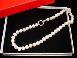 Edle Perlenkette mit Design-Echtsilberverschluß