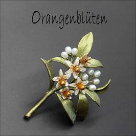 *Orangenblüten-Brosche