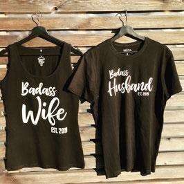 """T-Shirts """"Badass Wife"""" / """"Badass Husband"""" mit Hochzeitsjahr"""