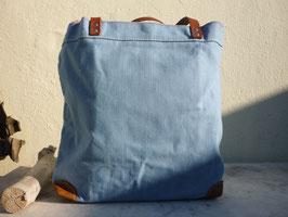 Große Einkaufstasche in blau