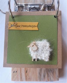 PASEN, houten notitieblok, schaapje, 'fijne paasdagen'.