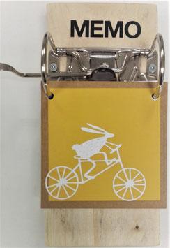 PASEN, houten notitieblok, haasje op fiets.