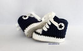 Baby Chucks navy