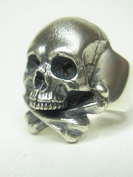 Cross bone skull ring/クロスボーンスカルリング
