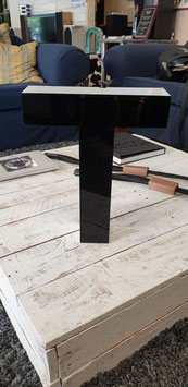 Buchstabe T Plexiglas Metallrahmen mittel unbeleuchtet