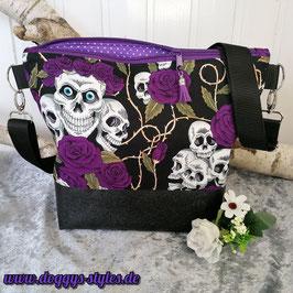 """Handtasche """"Totenköpfe lila"""""""