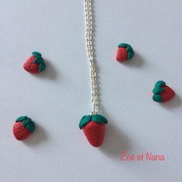 Collier petite fraise... enfant