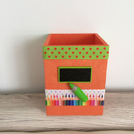 Pot à crayons personnalisé... cadeau école ... ref. Acidulé
