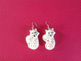 Boucles d'oreilles, Chat, blanc, strass roses