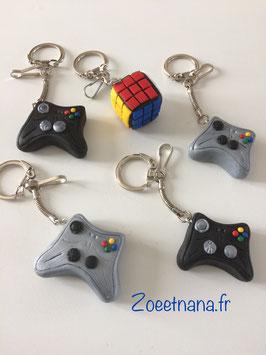 Porte clé, Manette de console de jeu, gris argenté