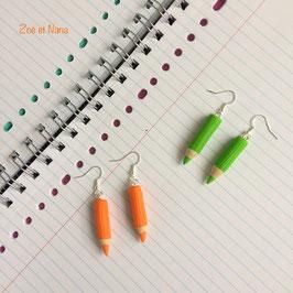 Boucles d'oreilles crayons de couleurs