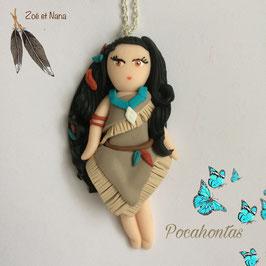 Poupée Pocahontas... collier pendentif
