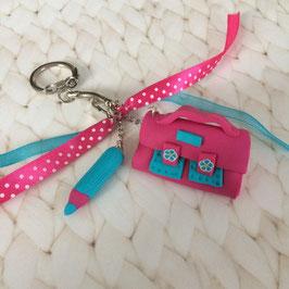 Porte clé Cartable & crayon... fuchsia et turquoise... (ref. LEROY)