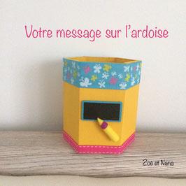 Cadeau maitresse... Pot à crayons personnalisé... jaune turquoise et rose... papillons