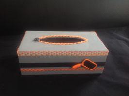 Cadeau instituteur... Personnalisé... Boite à mouchoirs, gris, orange, noir,