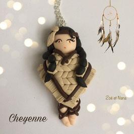 Poupée du Monde... Cheyenne... collier pendentif