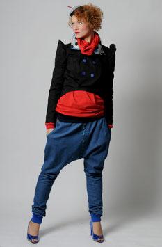 Schwalbenjacke und Jeans