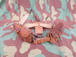 MAS 36 - 49 - 49/56 Tracolla / spallacci, porta caricatori, cinturone, taschetta (##)