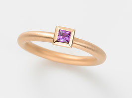 COCKTAILRING 18 kt Rotgold mit Amethyst, Princess Cut 3,5 3,5 mm