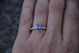 Ring PLATIN mit einem natürlichen TANSANIT und DIAMANTEN TW VS 0,14 ct