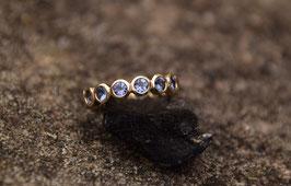 Ring MEMORY 14 kt Gold mit blau-violettem Tansanit