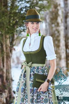 Susanne Spatt,  Dirndl Marie Loden - moos