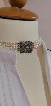 Kropfkette Perlen klein, 4-reihig.