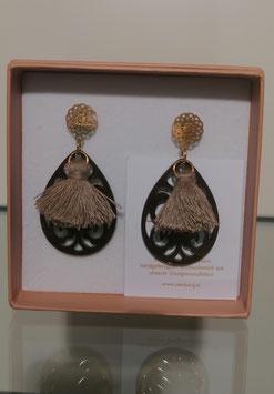 Edele Ohrringe von der Designmanufaktur SEENBERG - braun klein mit Quasten