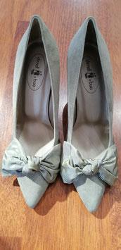 Schuhe mit Absatz in khaki