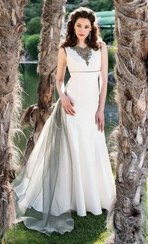 Kleid aus Patinaseide ecru/olive von Mothwurf.
