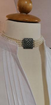 Kropfkette Perlen mit Metallelement-Altsilber