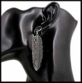 Boucle d'oreille plume