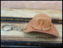 Porte clef chapeau marron en cuir