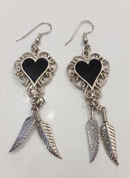 BOUCLES D'OREILLES cœur noir et plumes