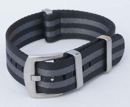 seat belt grau schwarz gestreift mit verbesserter Schliesse 8095