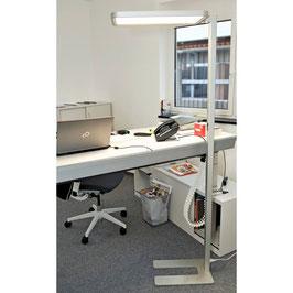 LED-Büro-Stehleuchte Studio Butler  80W dimmbar, 3000 + 4000 K - UGR19