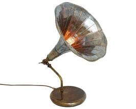 Grammophone Tischleuchte - Design Mullan Irland