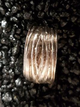 Ring Holzfaserung